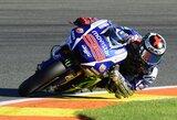 """J.Lorenzo laimėjo paskutinę """"MotoGP"""" sezono kvalifikaciją, paskutinis startuosiantis V.Rossi griuvo nuo motociklo"""