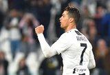 """Rungtynių pabaigoje pasižymėjęs C.Ronaldo išplėšė """"Juventus"""" lygiąsias su """"Torino"""""""