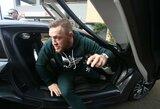 Pamatykite: C.McGregoras užsipuolė UFC kovotojų autobusą, M.Chiesa sužeistas