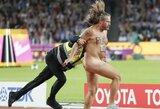 Prieš U.Bolto startą visiškai nuogas vyriškis įsiveržė į bėgimo takelius ir pasiuntė žinią pasauliui