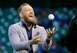 Pamatykite: C.McGregoras atliko metimą MLB rungtynėse ir vos nepataikė į žiūrovą