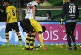 """""""Borussia"""" sirgaliai pasitelkė teniso kamuoliukus protestui prieš aukštas kainas"""