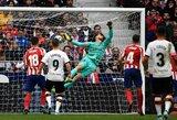 """D.Parejo 82-ąją minutę nuostabiu baudos smūgiu išplėšė """"Valencia"""" lygiąsias su """"Atletico"""""""