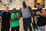 Legendinis NBA žaidėjas Sh.O'Nealas žvelgia į MMA? Buvęs krepšininkas privertė UFC sunkiasvorius pasijusti mažiukais