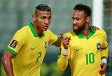 """""""Counter Strike"""" žaidęs Neymaras visiems parodė Richarlisono telefono numerį: per 5 minutes brazilas gavo 10 tūkst. žinučių"""