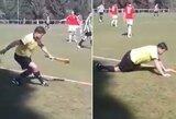 Pamatykite: girtas futbolo teisėjas rungtynėse nepastovėjo ant kojų