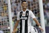 Pamatykite: galingą smūgį atlikęs C.Ronaldo nokautavo komandos draugą