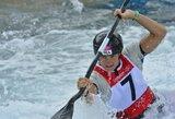 Dramatiškame olimpiniame baidarių slalomo finale – prancūzės E.Fer pergalė