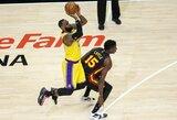 """LeBronas apsižodžiavo su gerbėja ir ištempė """"Lakers"""" į pergalę"""