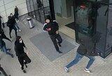 """Policija prašo pagalbos: ieškomi """"Ryto"""" sirgaliai, užpuolę """"Žalgirio"""" fanus"""