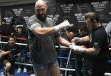 T.Fury nestandartinis pasiruošimas kovai su D.Wilderiu: pasakė, kodėl kasdien penkias minutes laiko rankas benzine