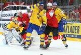 Pasaulio čempionato finalo pakartojime švedai įveikė šveicarus ir beveik panaikino latvių viltis