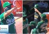 Nacių pasisveikinimo gestą MLB rungtynėse atlikęs treneris išplatino atsiprašymo laišką