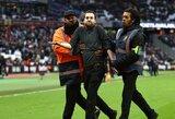 """Į aikštę įsiveržusiems """"West Ham"""" sirgaliams visam gyvenimui uždrausta patekti į klubo rungtynes"""