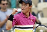 "K.Nishikori po dvi dienas trukusios dvikovos žengė į ""Roland Garros"" ketvirtfinalį"