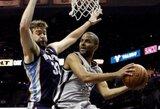 """Vakarų konferencijos finalas prasidėjo užtikrinta """"Spurs"""" pergale"""