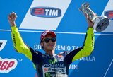 """V.Rossi """"MotoGP"""" lenktynėse iškovojo pirmą pergalę po 15 mėnesių pertraukos, M.Marquezas krito nuo motociklo"""