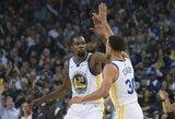 """Įspūdingai žaidęs S.Curry ir K.Duranto duetas nulėmė """"Warriors"""" pergalę"""