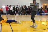 Pamatykite: D.Cousinsas treniruotėje įdėjo per K.Durantą