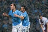 """""""Manchester City"""" nuo """"Premier"""" lygos trofėjaus skiria žingsnis"""