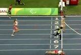 Skaudžiai prie finišo linijos kritusi lenkė per plauką iškovojo bronzos medalį