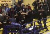 Beprotybė Kazachstane: MMA turnyre susimušė žiūrovai, vienas iš jų išsitraukė peilį
