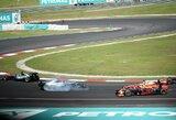 """M.Verstappenas įvertino S.Vettelio elgesį pirmajame posūkyje: """"Sumautas idiotas"""""""