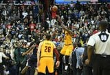 """L.Jamesas fantastiškai išplėšė pratęsimą ir """"Cavaliers"""" jame šventė pergalę"""