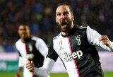 """G.Higuainas pelnė dublį, o be C.Ronaldo pagalbos vertęsis """"Juventus"""" šventė pergalę"""