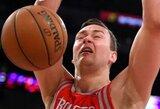 """Galingai po krepšiais žaidęs D.Motiejūnas surinko dvigubą dublį, o Hjustono klubas svečiuose sutriuškino """"Lakers"""" krepšininkus"""