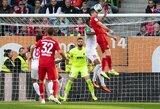 """91-ąją minutę įvartį praleidęs """"Bayern"""" susitikimą su """"Augsburg"""" baigė lygiosiomis"""