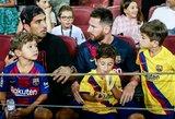 """Į rikiuotę sugrįžęs L.Suarezas liejo prakaitą """"Barcelona"""" treniruotėje, tuo tarpu L.Messi sugrįžimo teks palaukti"""