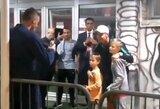Klasiškas elgesys: C.Ronaldo po rungtynių su Serbija nusifotografavo su N.Matičiaus sūnumis