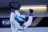 """V.Bottas pripažino jautęs nuolatinį L.Hamiltono spaudimą, britas sezono startą pavadino geriausiu """"Mercedes"""" istorijoje"""