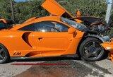 """Įgūdžiai nepadėjo: A.Sutilas sudaužė itin retą """"McLaren"""" superautomobilį"""