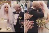 Suskambo vestuvių varpai: garsus kultūristas vedė savo išrinktąją lėlę