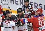Principiniame ledo ritulio mūšyje rusai įveikė kanadiečius