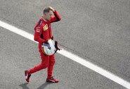 """Po vieno gesto su perėjimu į """"Racing Point"""" dar labiau siejamas S.Vettelis: """"Kažkas čia nesusideda"""""""