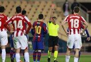 R.Koemanas užstojo pirmą kartą raudoną kortelę užsidirbusį L.Messi