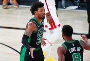 """Po """"Celtics"""" pralaimėjimo - krepšininkų riksmai iš komandos rūbinės"""