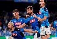"""Čempionų lyga: grubiai gynyboje klydęs """"Liverpool"""" pirmose rungtynėse neatsilaikė prieš """"Napoli"""""""