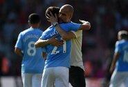 """P.Guardiola negailėjo liaupsių 400-ąsias rungtynes """"Man City"""" gretose sužaidusiam D.Silvai: """"Jis yra vienas geriausių mano matytų žaidėjų"""""""