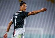 C.Ronaldo pademonstravo naują šukuoseną: tapo garbaniumi