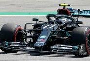 """Iš trasos išlėkęs V.Bottas su nauju rekordu pranoko L.Hamiltoną, """"Ferrari"""" pasirodė beviltiškai, M.Verstappenas paruošė taktinį siurprizą"""