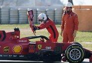 """""""Mercedes"""" triuškino varžovus, """"Ferrari"""" vadovas pripažino liūdną tiesą"""