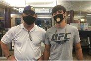"""Paskutinę akimirką UFC pasiūlymo sulaukęs A.Phillipsas į """"kovų salą"""" išskrido su savo buhalteriu"""