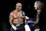 Po kovos su R.Jonesu – M.Tysono atsakas F.Mayweatheriui ir konfliktas su gerbėju