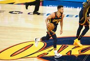 "S.Curry vedama ""Warriors"" sutriuškino ""Spurs"""