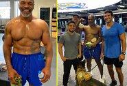 """M.Tysonas treniruotėje sužavėjo UFC legendas: """"Jis kaip geras vynas"""""""