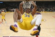 D.Howardas žais NBA sezono pratęsime